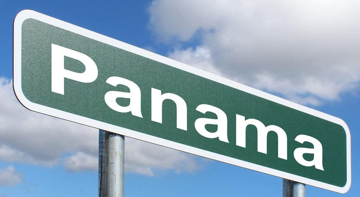 Why People Leave their Country and Move to Panama?